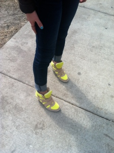 Victoria's a Shoe a Day: Dark Jeans & Neon Snedges