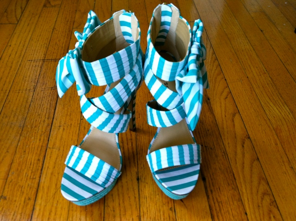 Victoria's a Shoe a Day: Turquoise & White ZigiSoho Heels